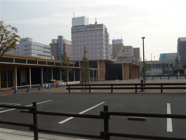 Misemonogoyaato01_r
